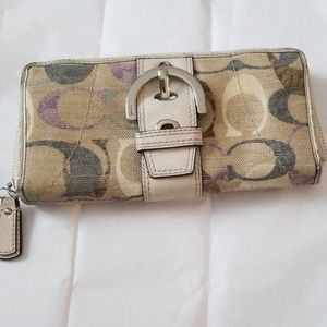 Coach wallet matching Lynn brown linen hobo